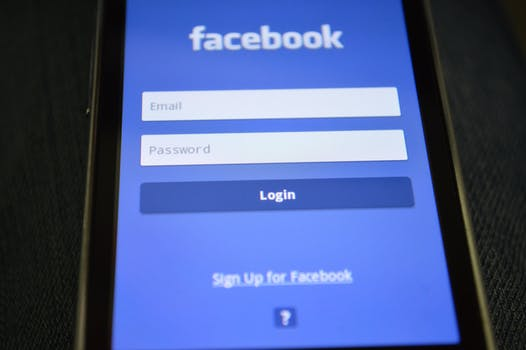 10 Free Quick Tips & Tricks to Learn Facebook